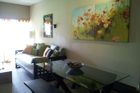 Cozy Condo Heart of Wellington - Wellington - Appartement