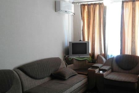 уютная квартира недалеко от моря(Абхазия, Сухум). - 公寓