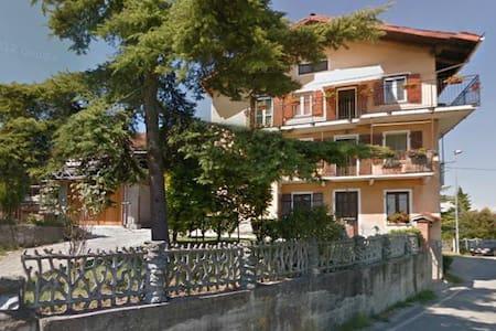 Stanza privata a Montaldo - Marentino - Huoneisto