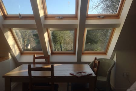 Light, airy self-contained annexe - Hilton, Blandford Forum
