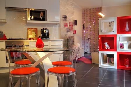 Beautiful modern Grounfloor with outdoor space - Társasház