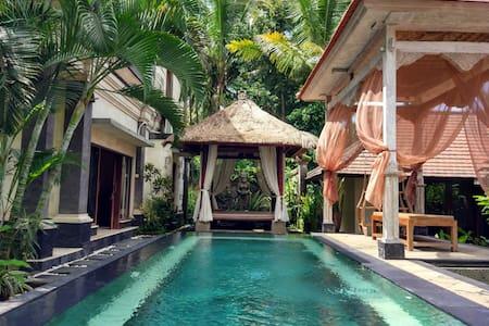 Villa Sakura~Family 2BR Pool Villa~10mnt Ubud Cntr - Ubud
