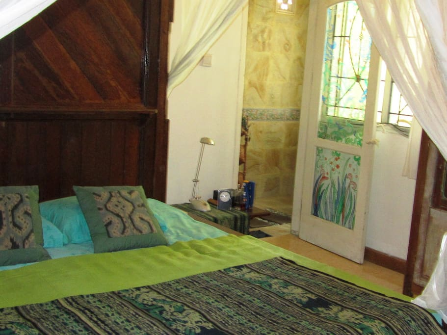 Kingsize bed: 180x200. Bedroom 1 with own full bathroom