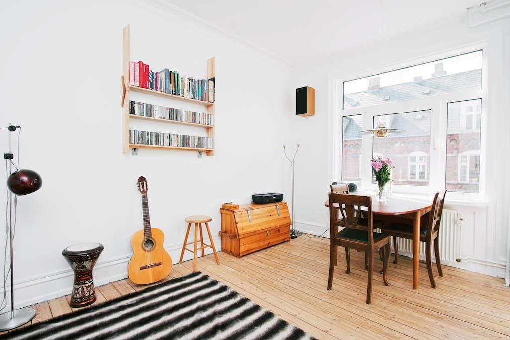 The livingroom, perfekt for a romantic dinner.