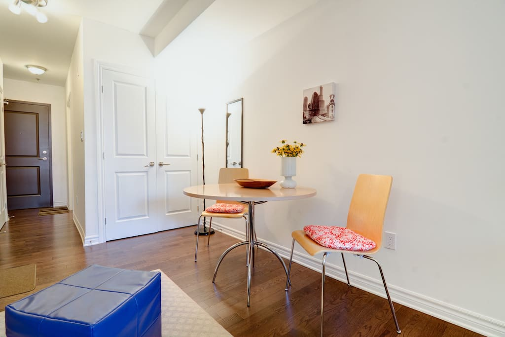 Functional eating area