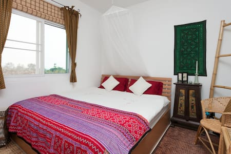Private quarters in lovely Oasis - Tambon Don Pao , Mae Wang