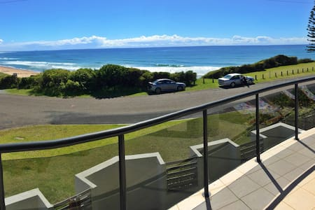 Beach House close to Foster Tuncurry, Wallabi Pt - Rumah bandar