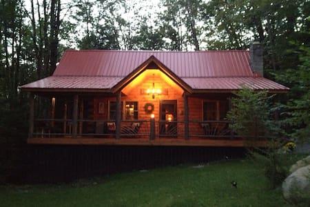 Auskerada Lodge. Seclusion&Jacuzzi - Kisház