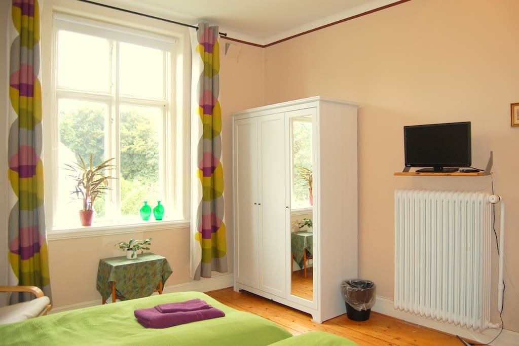 For 2 with own entrance & kitchen