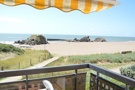 Full sea view, direct beach access - Appartamento