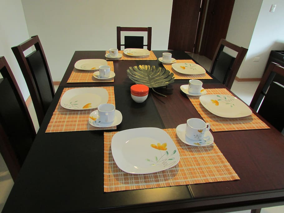 Dining with crockery for 6 people