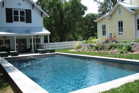 The Blakeney House ~ A Master Sweet Retreat - Ev