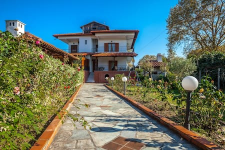 LUXURY VILLA PLATAMON (OLYMPUS) - House