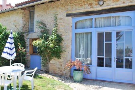 Maison Les Rosiers - House