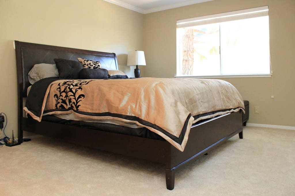 Master bedroom with California King bed (new mattress)