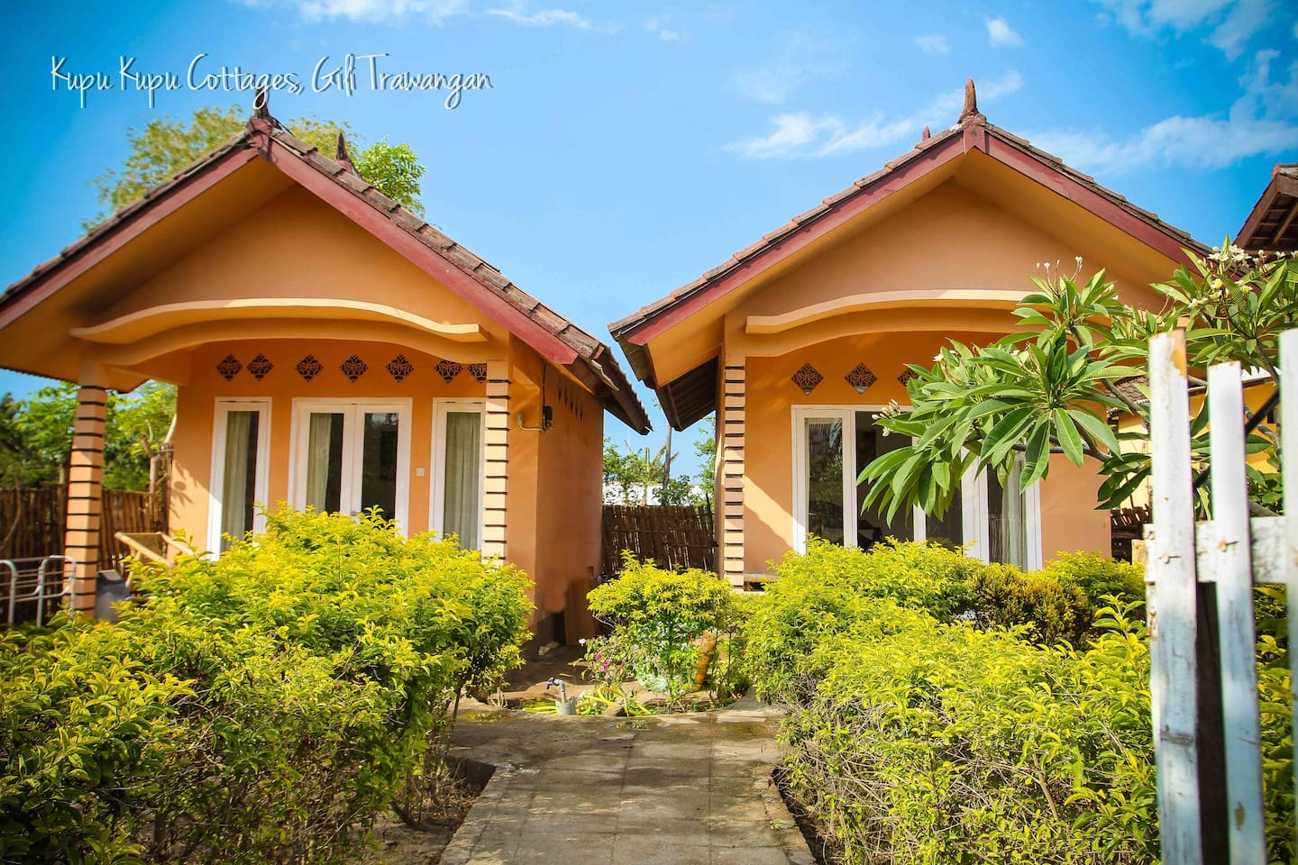 Welcome to Kupu Kupu Cottages on the tropical island of Gili Trawangan.
