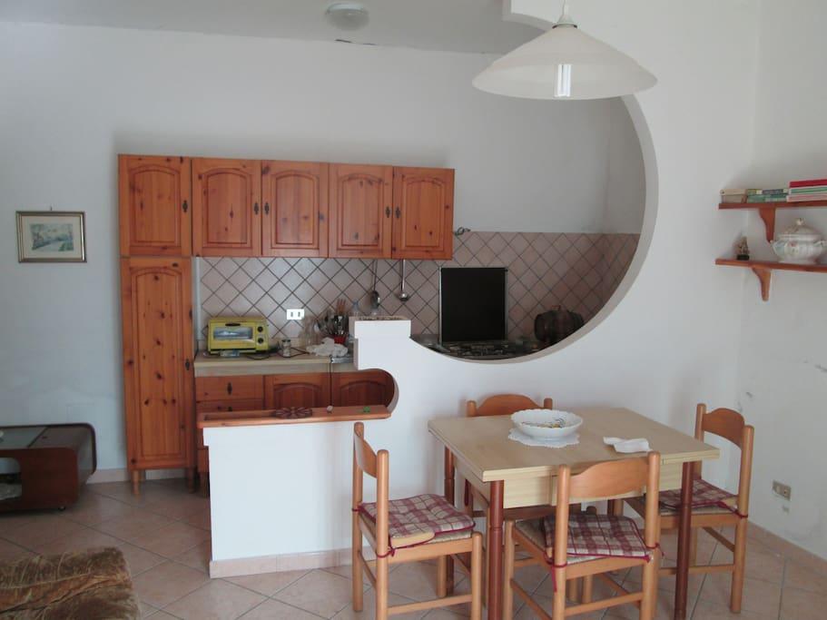 Ingresso soggiorno con cucina