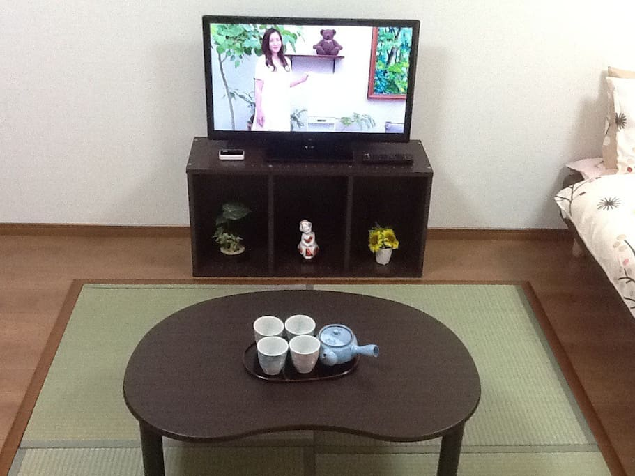 Rest on the Tatami mats and Relax over Japanese tea and welcome snacks!