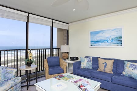 Beachfront 2BR/2BA Sleeps 6 #12 - アパート