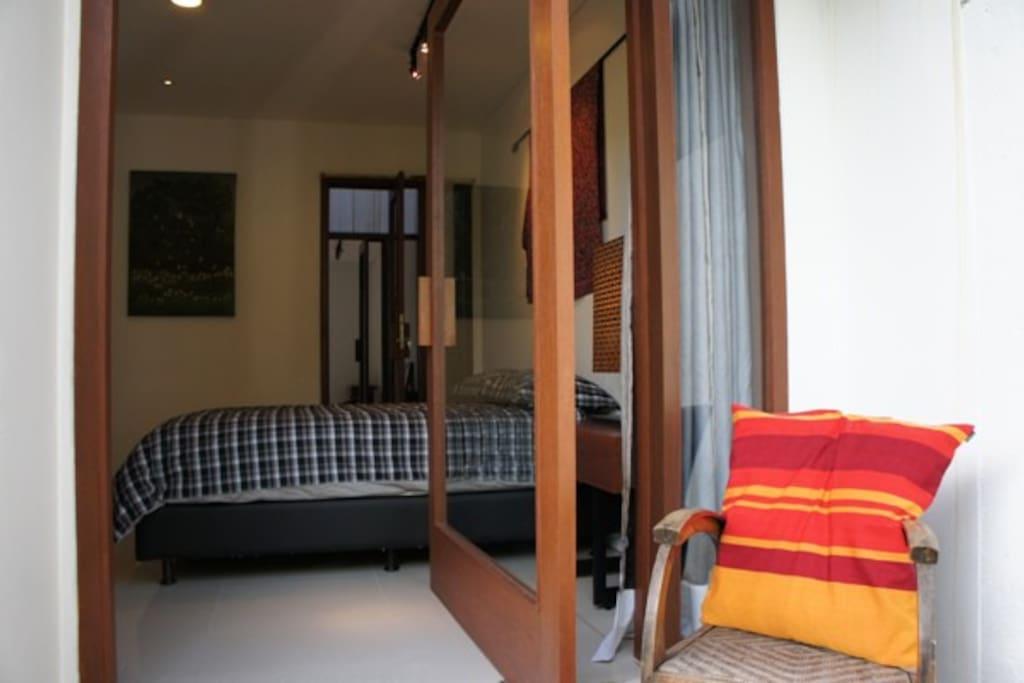 A peaceful door to Indonesia....