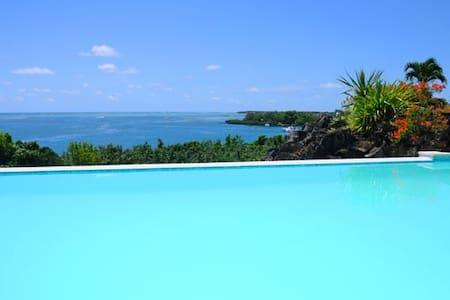 Villa de la Baie with private Jetty - Trou d Eau Douce - Villa