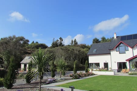 Romantic Hideaway. Pool and Beaches - Ballyrisode