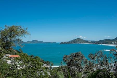 Romantic Bungalow with Ocean View