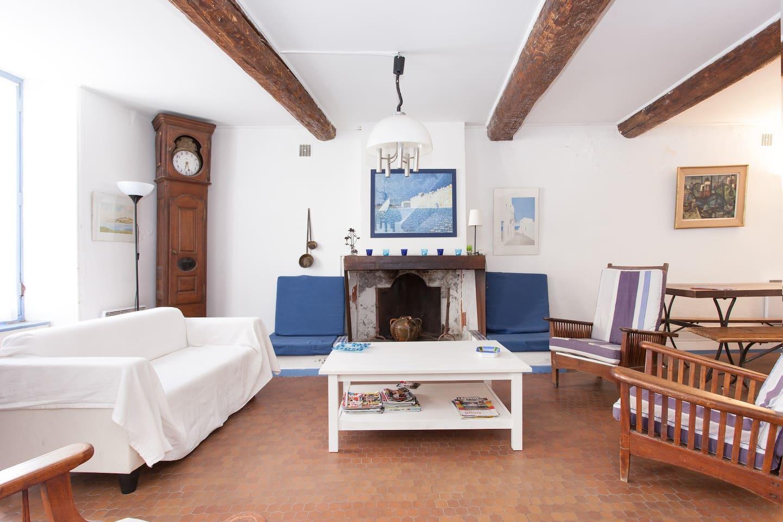 salle de séjour 36m2 avec petit salon attenant,tv