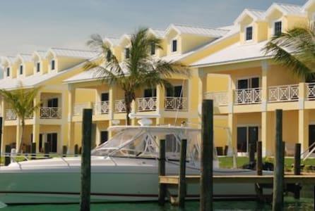 3/3 in Treasure Cay Abaco Bahamas - Apartment