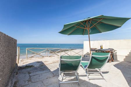 Open the door your are on the beach - Apúlia - Cabin