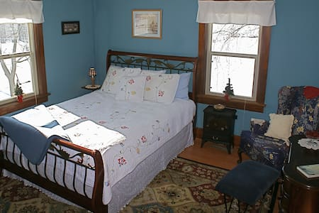 GrandView Farm Bed & Breakfast - Maquoketa - Bed & Breakfast