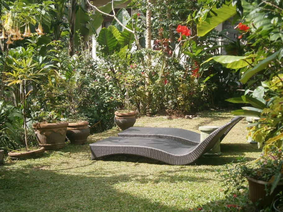 Relax in comfort in the Bali sunshine