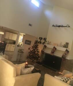 Modern Spacious Home - Pensacola
