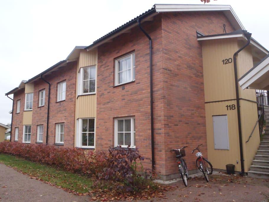 Bostadshuset byggår 1997, inspirerat av gamla Ekeby Bruk intill.