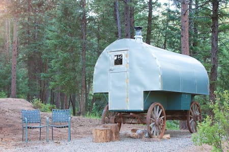 Gary The Vintage Sheep Wagon! - Chalet
