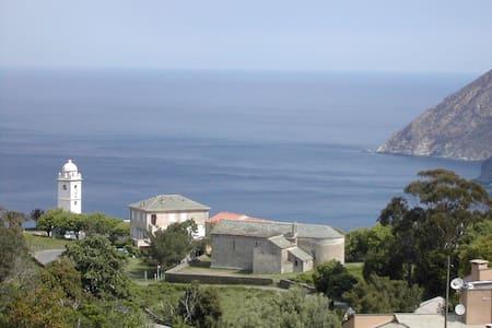 MAISON 80m² au CAP CORSE A CANARI  - Canari