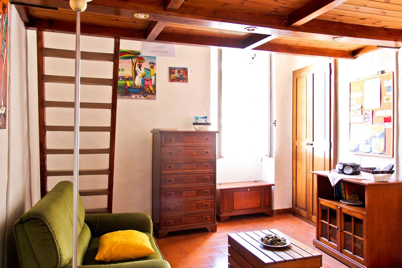 Bright apartment, fantastic terrace