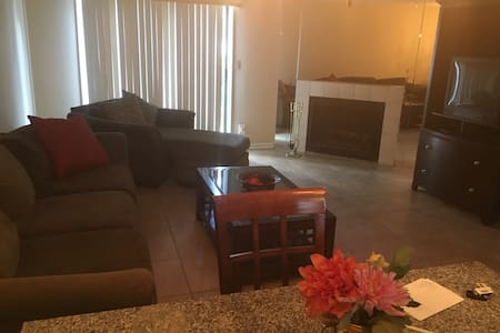 Nice 2 Bedrooms Town home! - Jacksonville - Townhouse