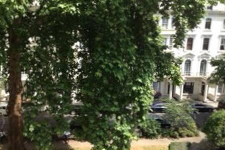 Paddington/Hyde Park Big Dble Room