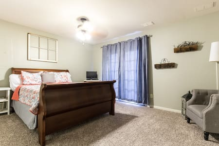 Lux Suite, Private Bath&Ent w/Yard - Fort Worth - Ev
