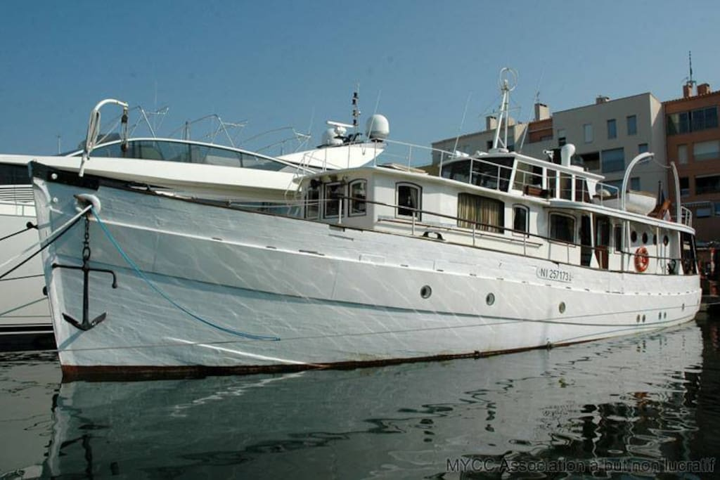 Le Charleston 1945  yacht  de 24 mètres.