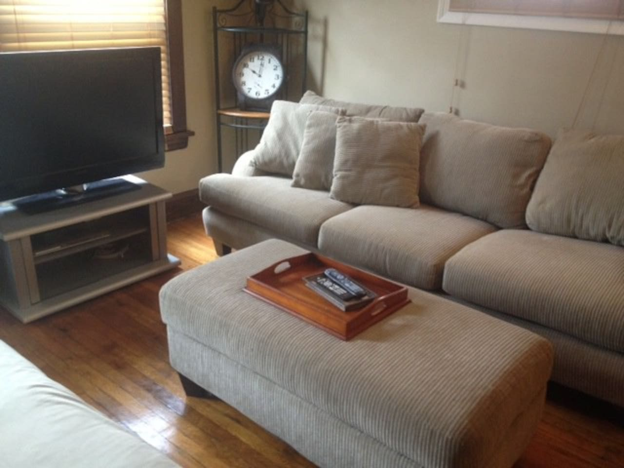 CLEAN, UPDATED AND NEAR DOWNTOWN!!