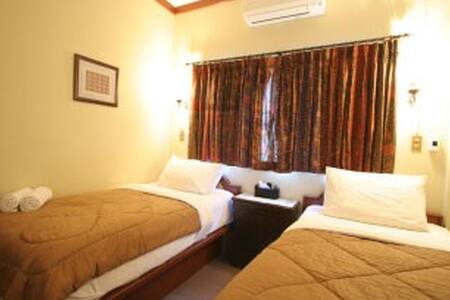 Comfy, Clean, twin bed- Buakao  Inn