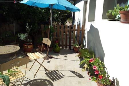 La ville côté jardin avec terrasse