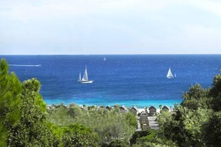 Luxe Strandhut Kon Tiki St Tropez - Ramatuelle