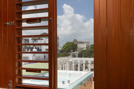 CANCUN GUEST HOUSE # 4 TERRACE TUB - Cancún - House