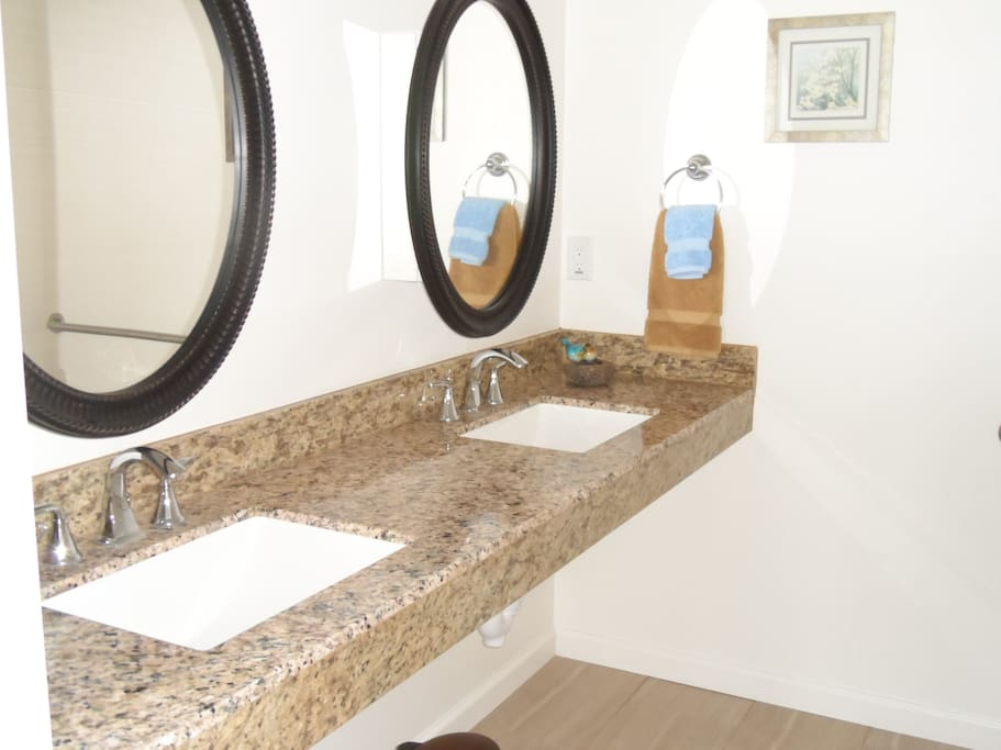Private half bath off bedroom/fully handicapped accessible