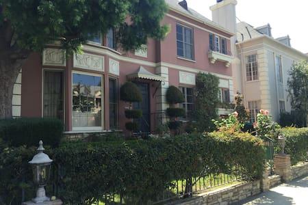 Beverly Hills Sanctuary - Wohnung