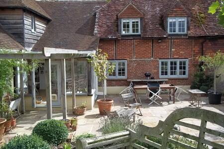 bridgefoot cottage - Kirdford
