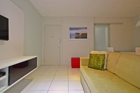 Cheap 2 Bedroom Apt Copacabana D028